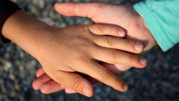 Inédita convocatoria para hallarles familia a cuatro hermanos
