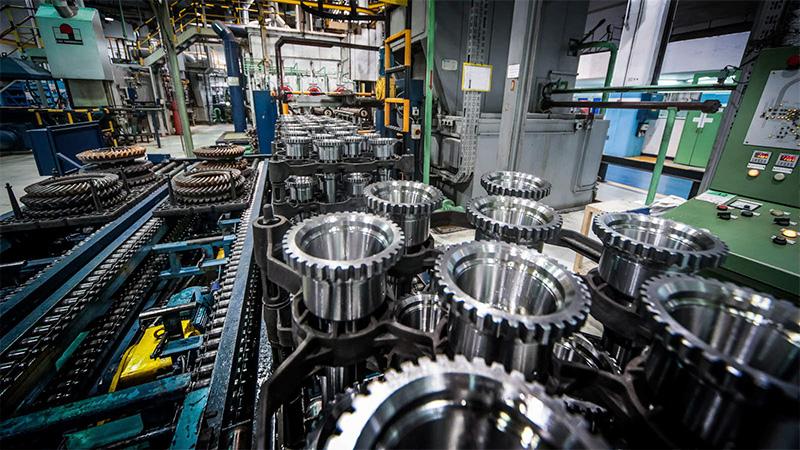 La industria se desplomó un 8,4 por ciento en junio — En picada