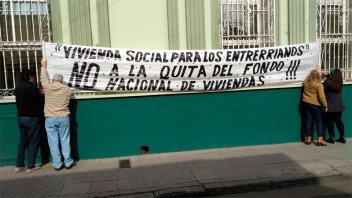 Trabajadores del IAPV rechazan el recorte de fondos de Nación para viviendas