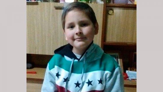 Con 7 años le detectaron un tumor: El empuje familiar que lo llevó a recuperarse