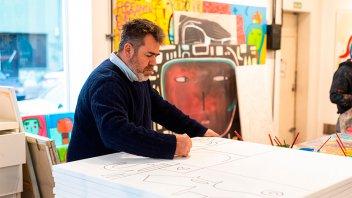 El artista Milo Lockett expondrá sus cuadros en Concordia y pintará un mural