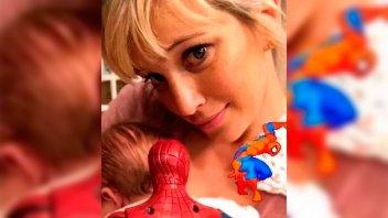 Filtraron la primera foto de la carita de la hijita de Luisana Lopilato