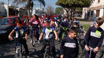 Bicicleteada en la escuela Don Bosco para recordar a su Santo Patrono