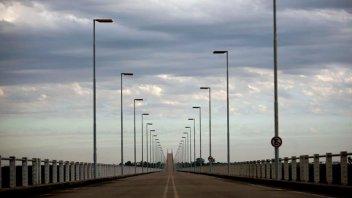 Puente cayó en Génova: Quien lo creó diseñó dos que conectan a Entre Ríos