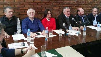 Urribarri participó de la reunión del Consejo Nacional del PJ