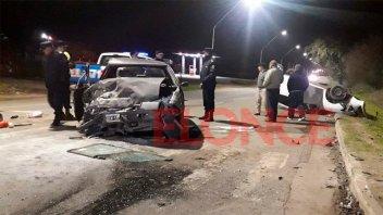 Tremendo choque en uno de los ingresos a Paraná: Hay menores entre los heridos