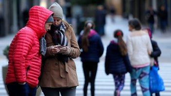 El intenso frío se hizo sentir en el centro del país con temperaturas bajo cero