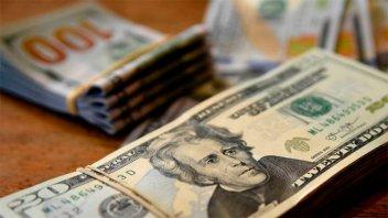 El dólar retrocedió 41 centavos por nuevas intervenciones del Banco Central
