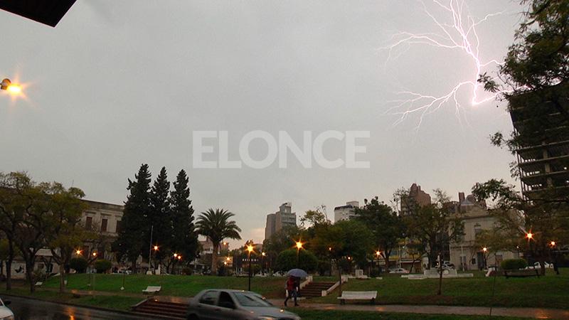 Alerta por lluvias y tormentas intensas para Entre Ríos y otras cinco provincias