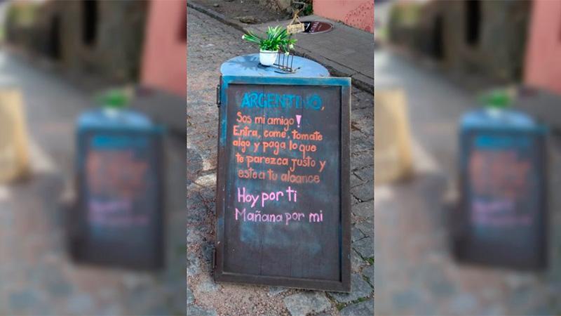 Restaurante uruguayo aplica oferta a turistas argentinos