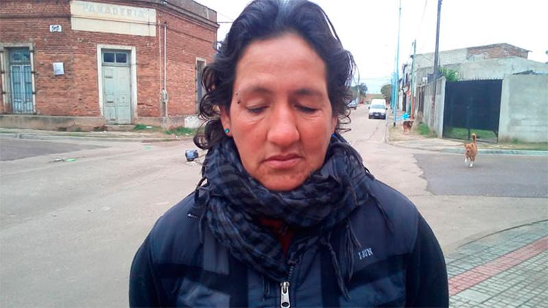 María Rosa Areguatí está desesperada por su hijo.