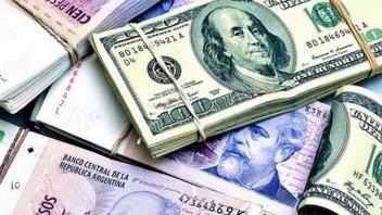 El dólar se acercó a los $60, aunque cerró el mes con una caída de $2,2
