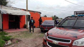 Irrumpieron en viviendas de Urdinarrain para desbaratar
