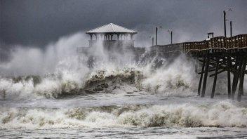 El huracán Florence llegó a Estados Unidos: inundaciones y hogares sin luz