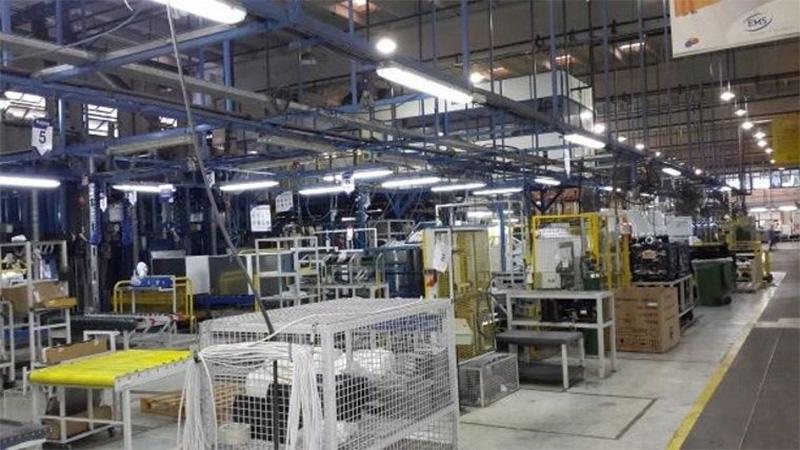 Electrolux dio licencia por un mes a todo el personal de su planta