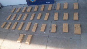 Secuestraron droga, celulares, dinero y detuvieron a cinco personas en Paraná