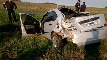 Automóvil despistó, volcó y terminó en una zanja