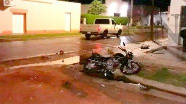 Joven perdió la vida tras chocar su moto contra una camioneta