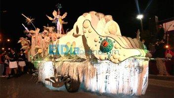 Divulgan inéditas fotos de Nahir Galarza desfilando en una carroza