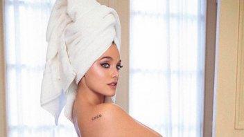 Oriana Sabatini se mostró muy sexy recién salida de la ducha
