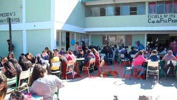 En escuela de Paraná tienen un solo baño para 700 alumnos y docentes