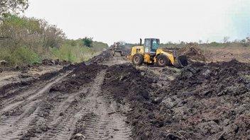 Se realiza mantenimiento a los caminos productivos del departamento Villaguay