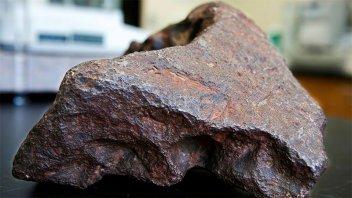 Usó durante 30 años una piedra para trabar una puerta: era un meteorito