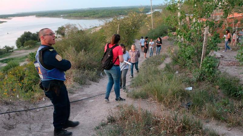 Pedido de evacuación a los vecinos en barrio Urquiza