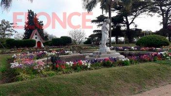Video: El Rosedal se viste con los colores de la primavera