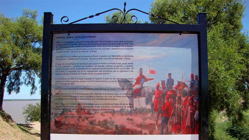 El cartel que señala el sitio histórico de Punta Gorda.