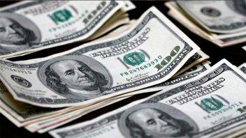 El dólar subió a $ 38,06 y sigue abajo de la