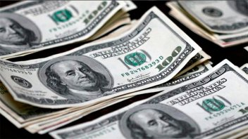 Dólar en picada: perforó
