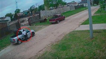 Video: Robó en una camioneta y quedó registrado por las cámaras