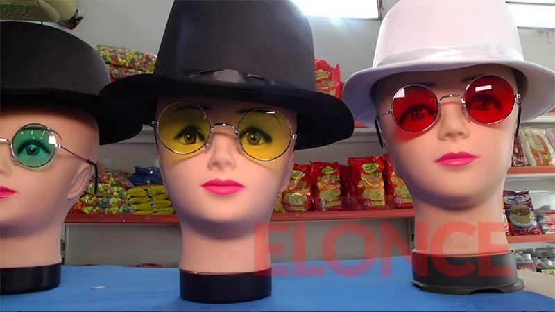 Sombreros, anteojos, y más