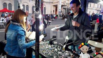 Más de 220 emprendedores expusieron sus productos en Plaza Mansilla