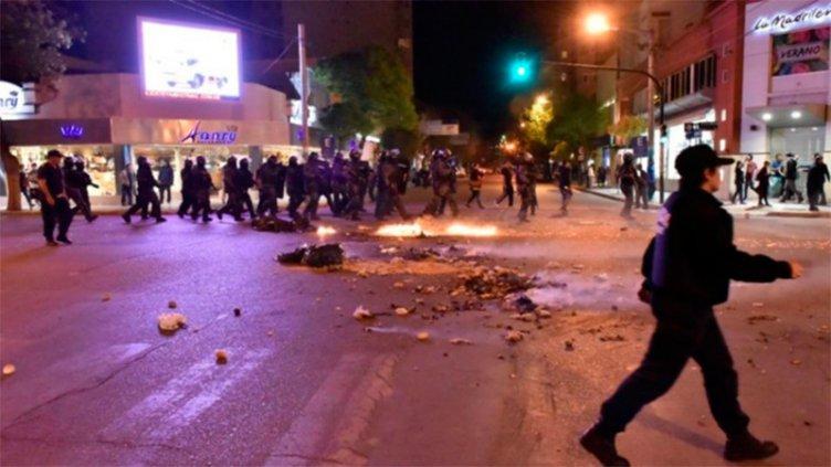 Hubo detenidas y más de 20 heridos en el Encuentro Nacional de Mujeres