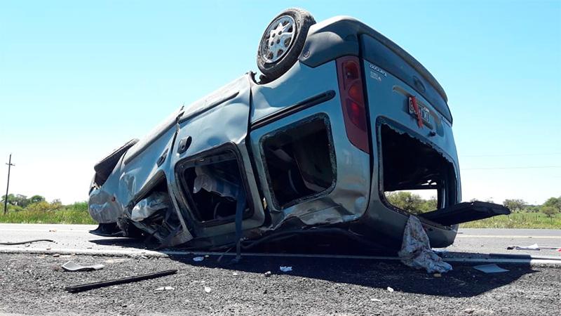 Vuelco fatal sobre Ruta 12 en el sur entrerriano: Falleció una joven de 20 años