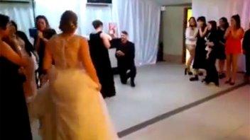 Emotivo e inesperado: Le pidió casamiento en la boda de su cuñada
