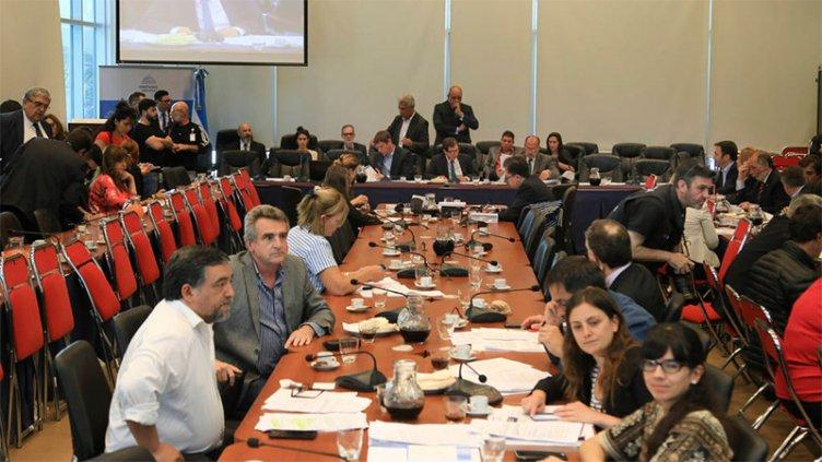 Negocian contrarreloj para aprobar el Presupuesto nacional en Diputados