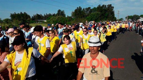 Fotos: Miles de fieles comenzaron su marcha en la Peregrinación de los Pueblos