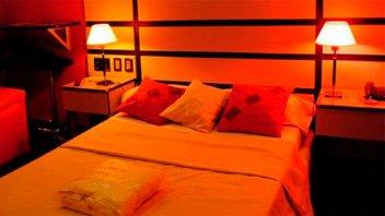Un hotel alojamiento ofrece noche gratis para padres de chicos abanderados