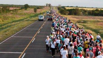 Con algarabía y fe, la Peregrinación de los Pueblos ya transita la etapa final