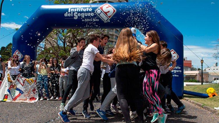 Estudiantes de Paraná ganaron importantes premios en el