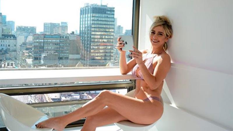 Bailarina Posteó Una Foto En La Que Posó Completamente Desnuda