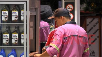 Axion bajó hasta 1,5% el precio de sus combustibles en todo el país