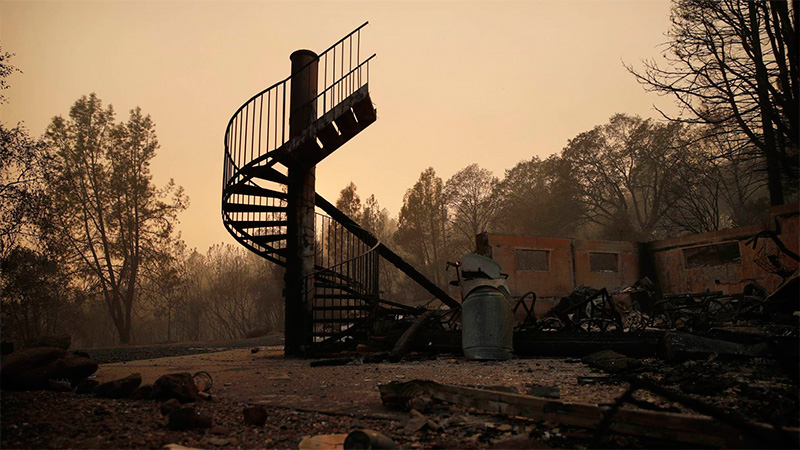 Ascienden a 44 los muertos por los incendios en California