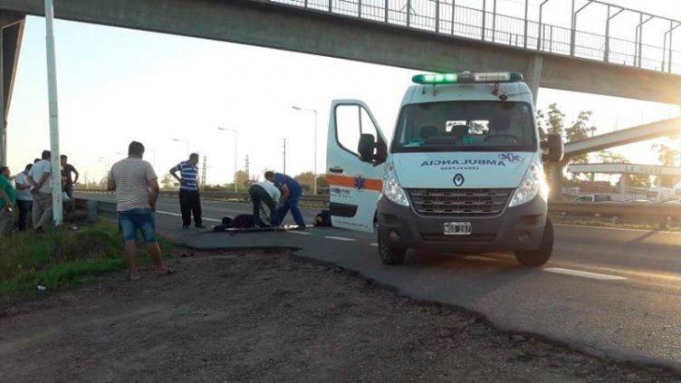 Motociclista murió tras chocar contra un acoplado: El camionero se dio a la fuga