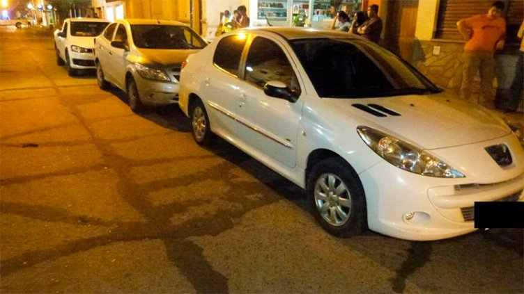 Choque en cadena de tres vehículos dejó dos lesionados, un niño y una joven