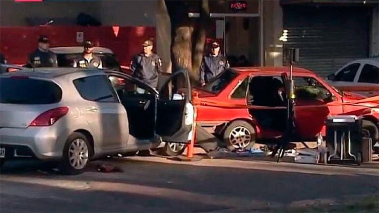 Secuestraron a joven en la puerta de una escuela y murió asfixiada en un auto