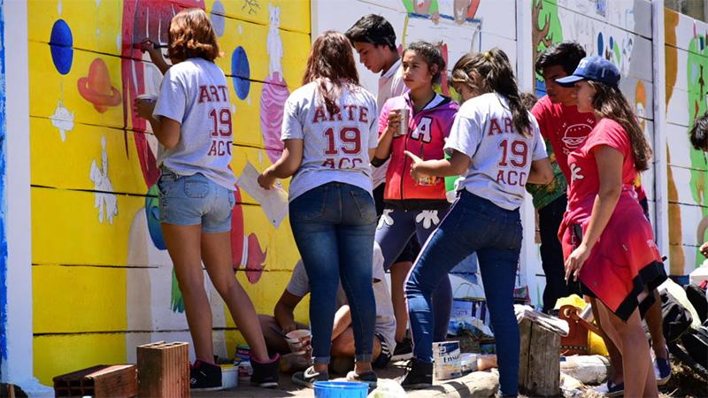 Resultado de imagen para Alumnos de Concordia pintaron murales sobre los derechos de los niños